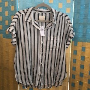 American Eagle small loose short sleeve top NEW